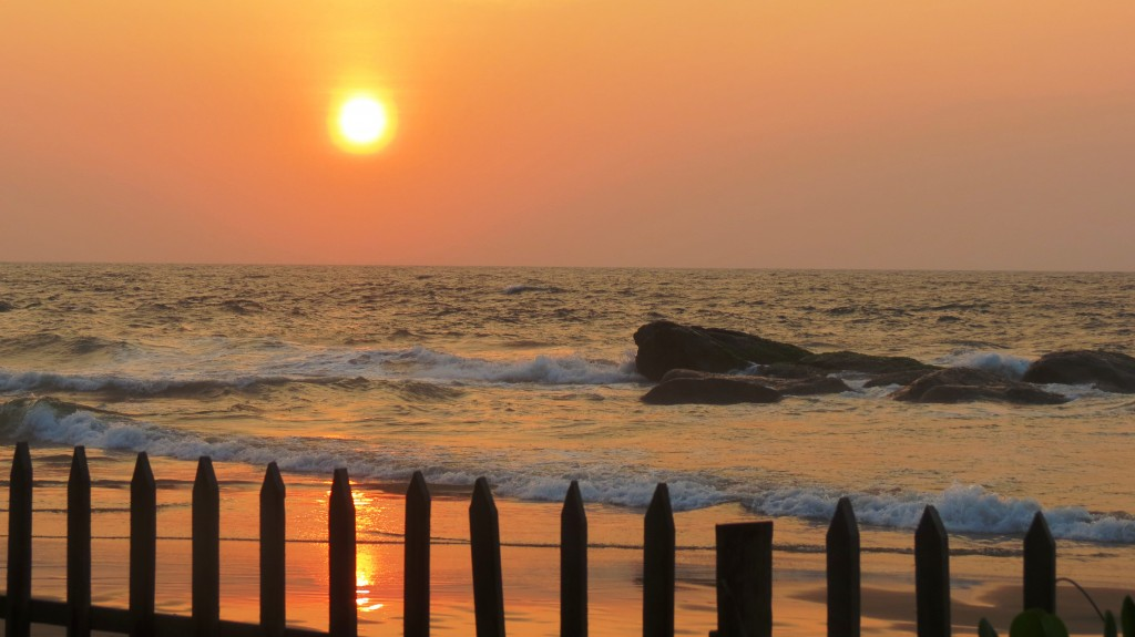 Eastlit February 2015: Gill Morris photos, Sunset Mount Lavinia Beach